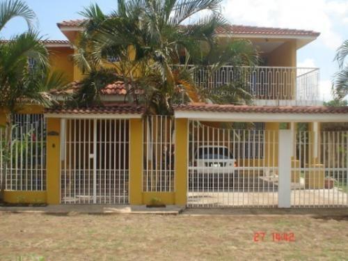 Fotos de Vendo linda casa de 2 niveles con terraza ubicada en retalhuleu, guatemala 2