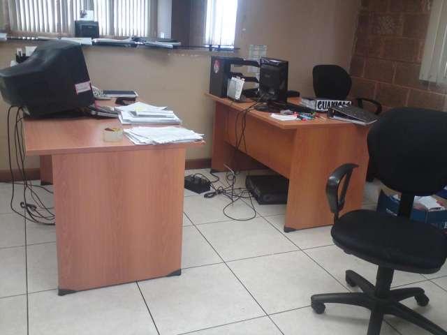 Comprar muebles oficina idee per interni e mobili for Muebles de oficina usados