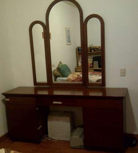 Venta marquesa nueva de cedro  con tres espejos