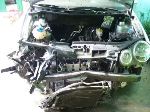 Volkswagen polo sedan 2006 chocado