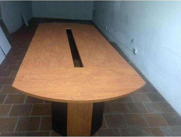 Venta de mobiliario para oficina, escritorio, credenza y mesa para ...