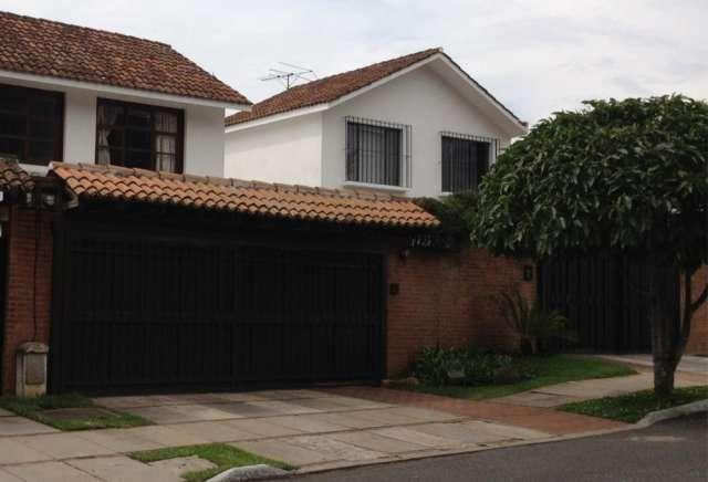 Rento casa zona 14 las conchas/ us$ 1650.00 incluye mantenimiento.