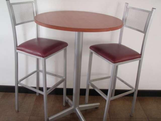 Mesas y sillas altas con barra ideal para cafeteria en - Sillas para cafeterias ...