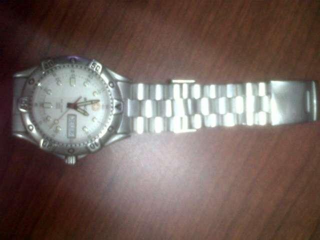 Vendo bonito y elegante reloj wenger usado