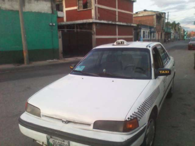 Vendo taxi con linea