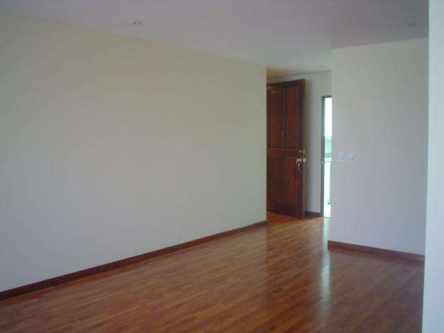 Rento apartamento zona 10 de 3 habitaciones