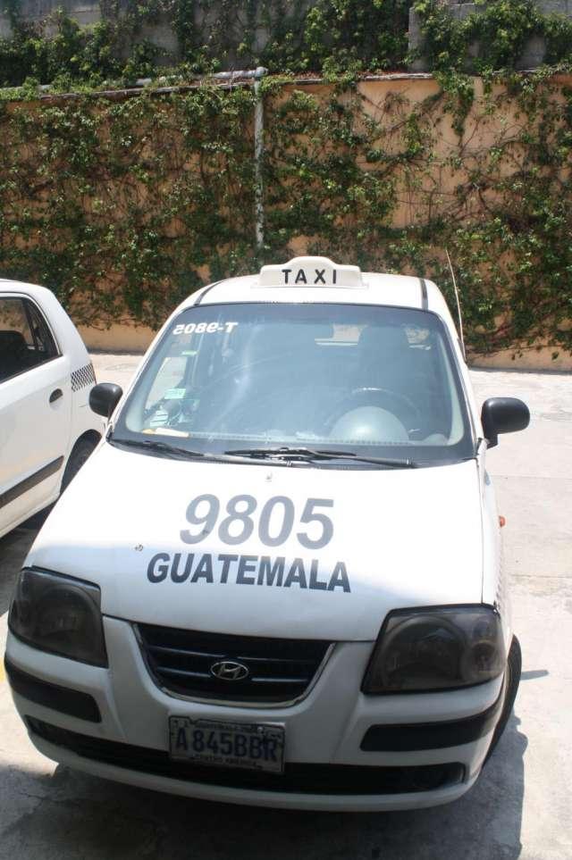 Vendo taxi por cambio de pais