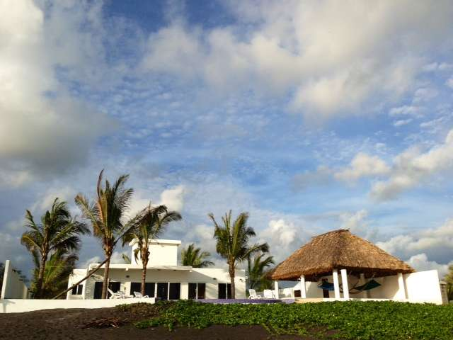 59d9d5005e7d0 Casa de playa rento-vendo orilla del mar monterrico!! en Iztapa ...