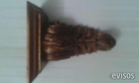 Se venden 2 mensulas talladas en cedro en hermoso estilo colonial