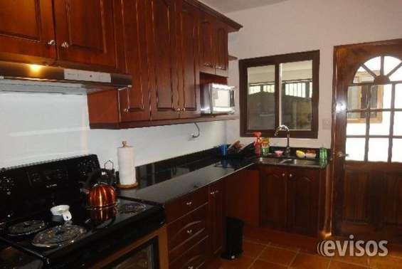 Casa en venta - 5 habitaciones -