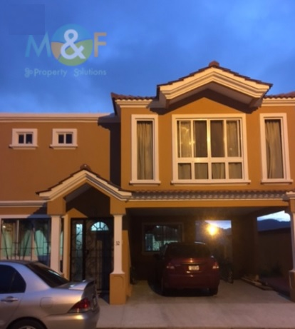 Hermosa casa en venta en altos de las victorias palin escuintla