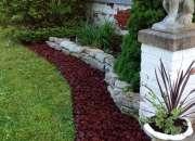 ¿Donde encontrar arena y piedra Lava Roca para jardines?