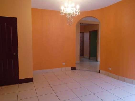 Citymax-mix renta apartamento tipo casa amplia en b-2 san cristobal