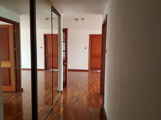 Moderno apartamento en renta en zona 10