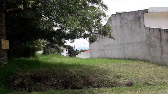 Terreno plano en condominio portal del llano km. 27.5 carretera hacia santa elena barillas