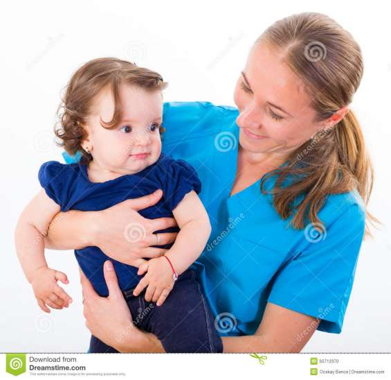 Enfermera con experiencia en niños