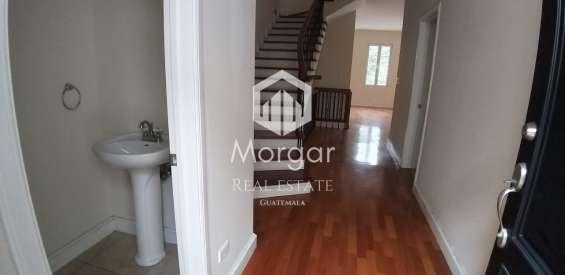 Casa en venta en zona 15 de 354 mts en $495,000 de 3 dormitorios/código 422