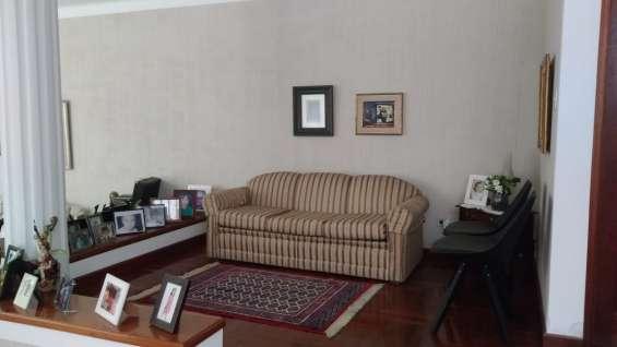 En venta amplia casa en condominio seguro en zona 10