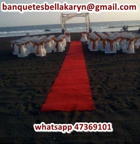 Renta de alfombra para eventos sociales roja