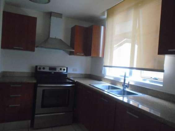 Rento apartamento de 3 habitaciones en jardines de acueducto zona 10