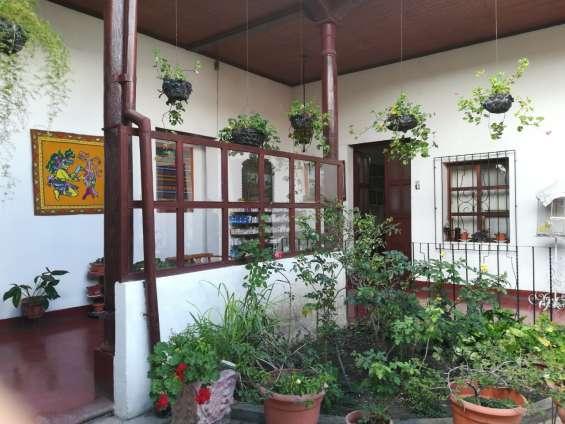 Preciosa casa con 2 locales y 1 apartamento en huehuetenango