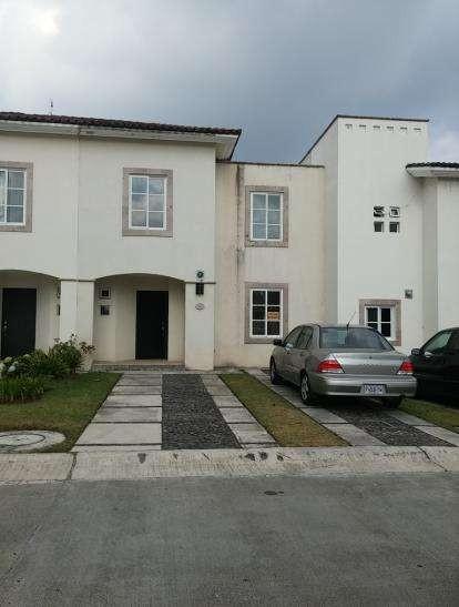 Vendo hermosa casa en villa canales
