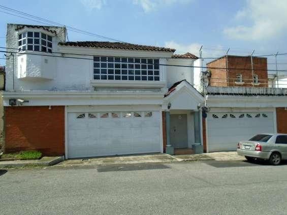 Casa en venta en zona 10, ciudad guatemala