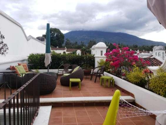 Hermosa casa grande en renta exclusivo residencial en antigua guatemala
