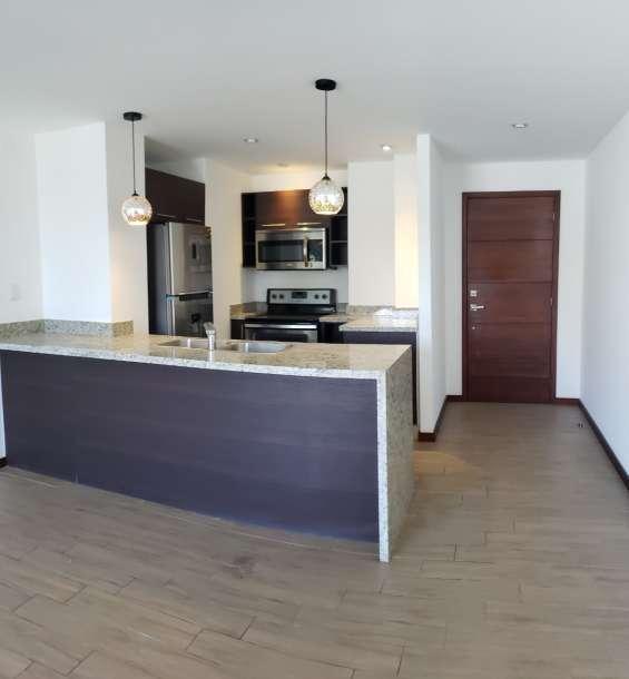 Hermoso apartamento en venta y renta zona 15