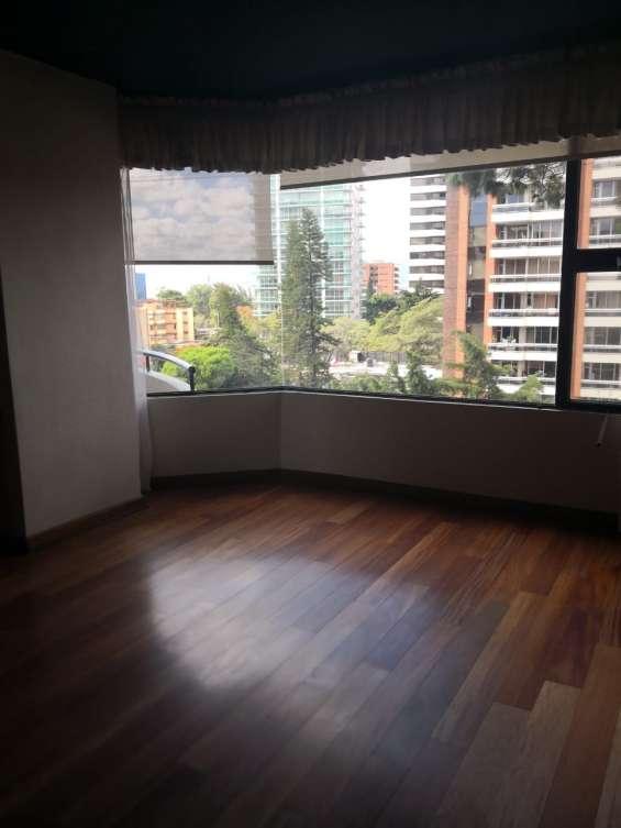 Rento amplio apartamento 2 habitaciones en zona 14