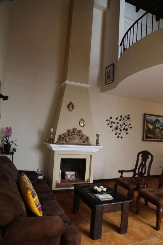 Fotos de Acogedora suite en venta, centro histórico antigua guatemala 2