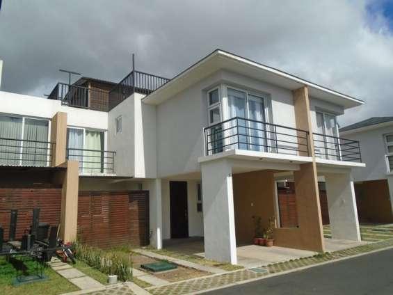 Casa en renta en condominio san ciristobal